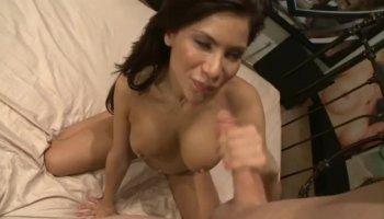 magrinha gostosa se masturbando