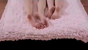 duas mulheres na cama